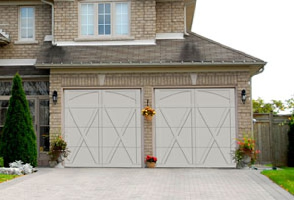 Residential Courtyard Garage Door