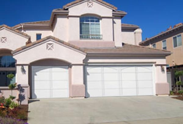 371 Courtyard garage door
